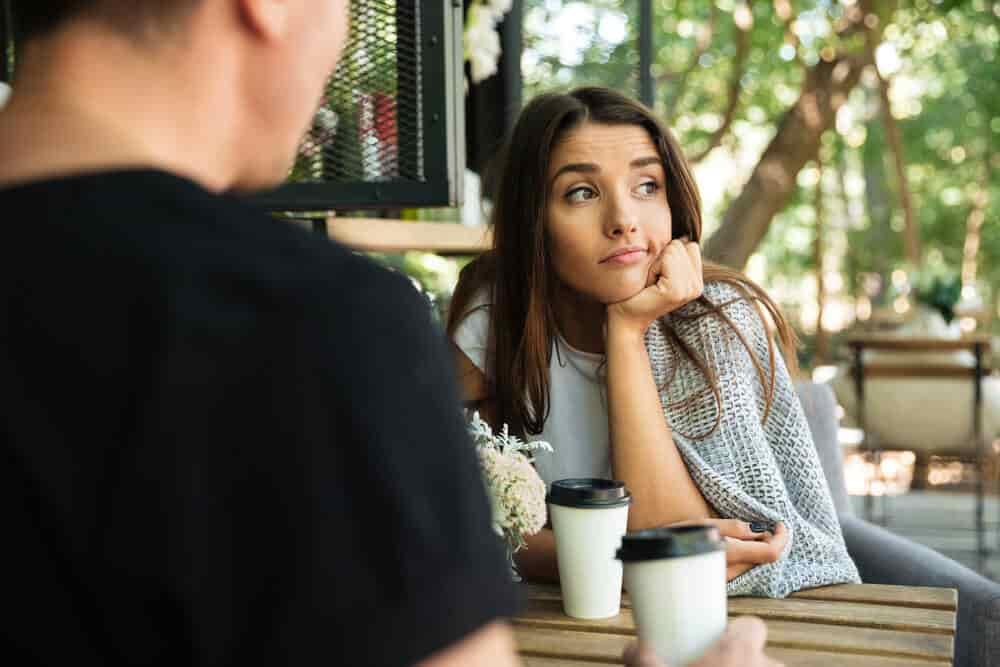 【あなたは大丈夫?】会話が盛り上がらない人が話しがちな話題とは?