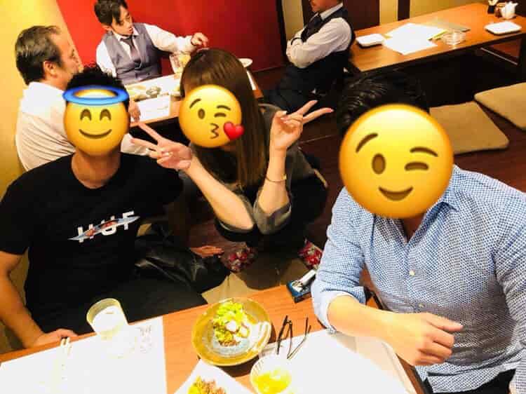 中洲の女の子と2人の男