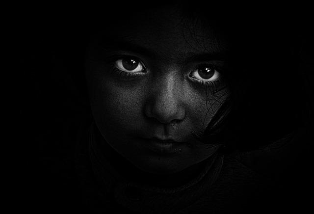 イケメンの悩み④:視線をよく感じるので落ち着かない