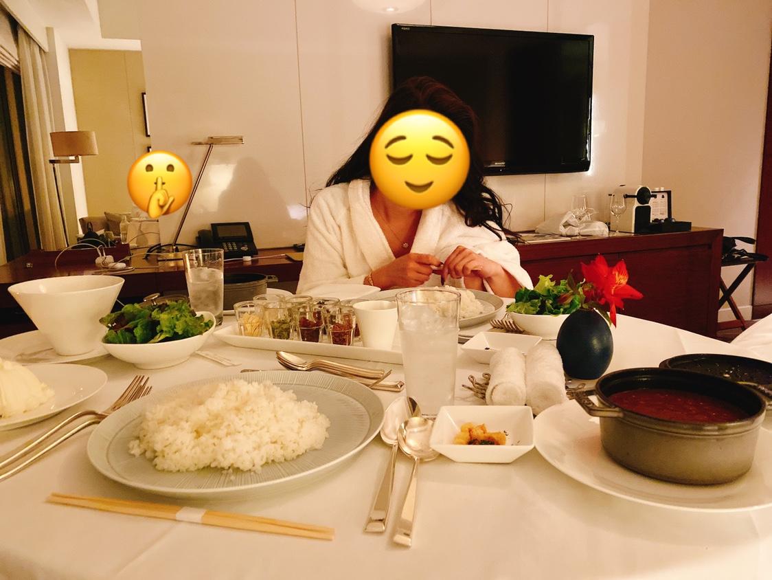 AV女優とカレーを食べる恋達